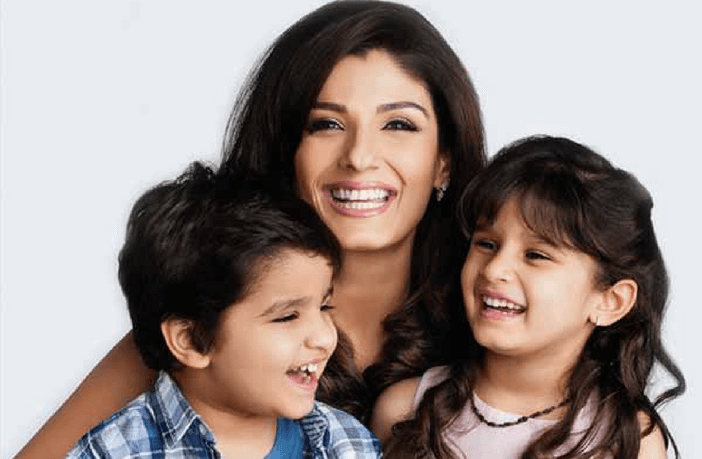 Raveena-Tandon-with-her-children-source-starsunfolded