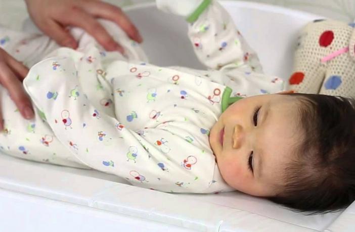 बच्चों को लू लगने के कारण, लक्षण व उससे बचने के 10 घरेलु उपाय