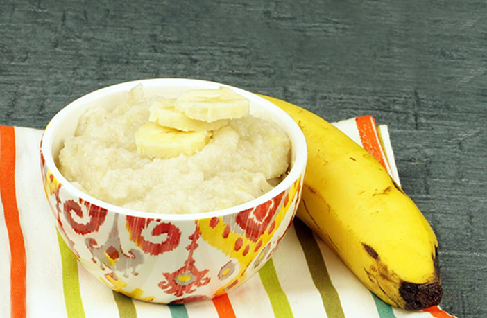 केला व सूजी का हलवा (Banana and Sooji Halwa Recipe)