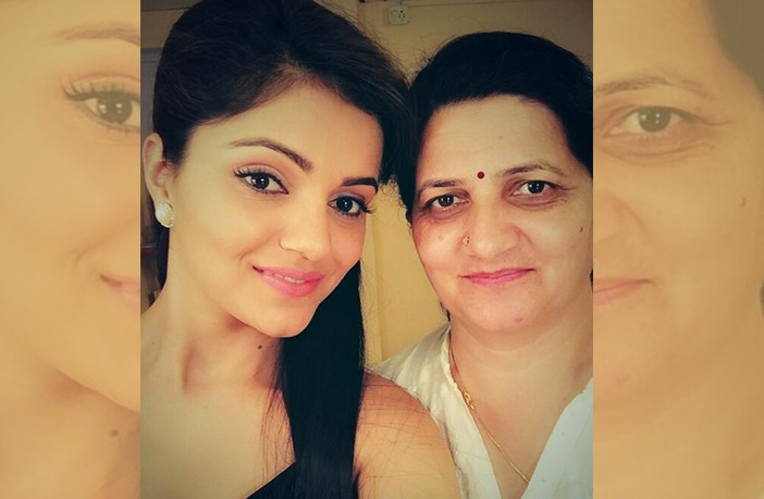Rubina Dilaik and her mother
