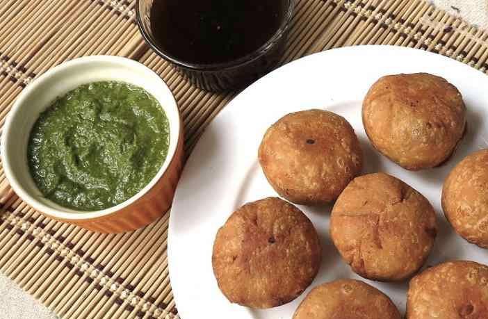 आलू की कचौड़ी बनाने का तरीका (Aaloo Kachodi)