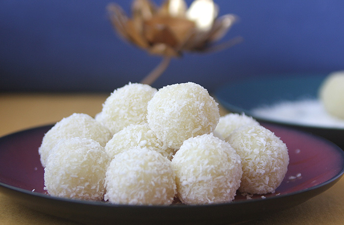 Coconut Ladoo Recipe in Hindi