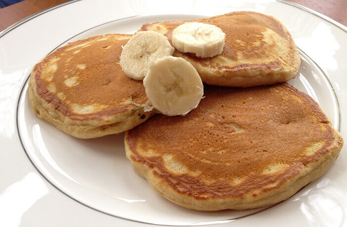 Banana Pancakes Recipe in HIndi