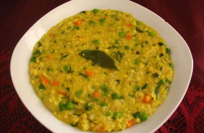 Quinoa Khichdi Recipe